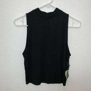 NWT Forever 21 crop top, slight high neck